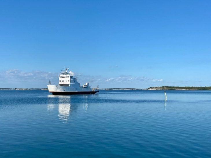 Saaristolautalla Brändösta Lappoon, Ahvenanmaan saaristo, majoitus mökki huoneisto