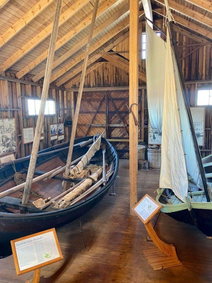 Ahvenanmaan saaristoon saaristolautta Kustavista, majoitus mökki saaristossa, Pellas, Lappo, vierassatama saaristotunnelmaa, saaristomuseo