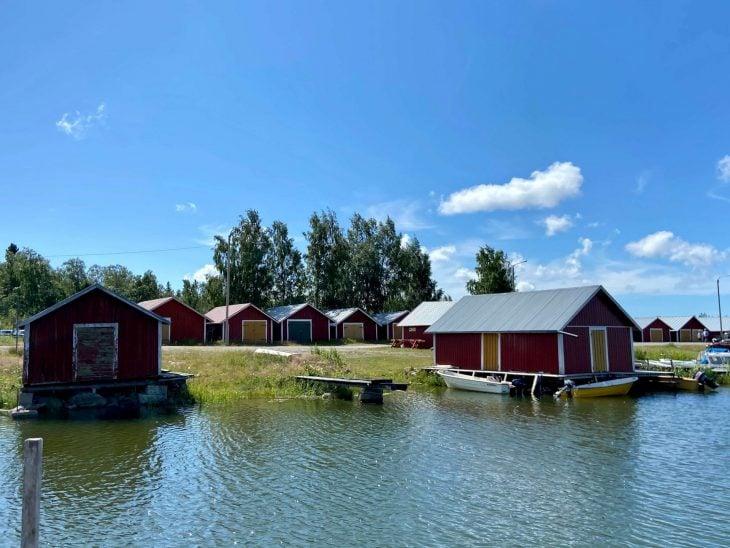 Svedjehamn kalastajakylä venevajoja, Björköby, Raippaluoto Mustasaari Merenkurkun saaristo