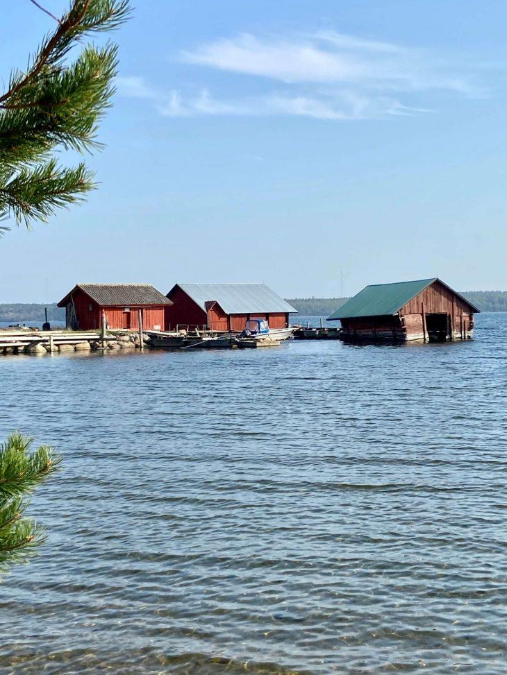 Högsåra venevajat Midnight Sun Sailing purjevene Saaristomeri purjehdus venevuokraus kotimaan matkailu