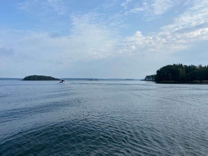 Midnight Sun Sailing purjevene Saaristomeri purjehdus venevuokraus kotimaan matkailu