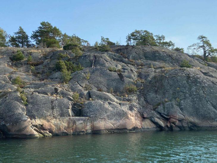 Purjehtimassa Midnight Sun Sailing purjevene Saaristomeri purjehdus venevuokraus kotimaan matkailu