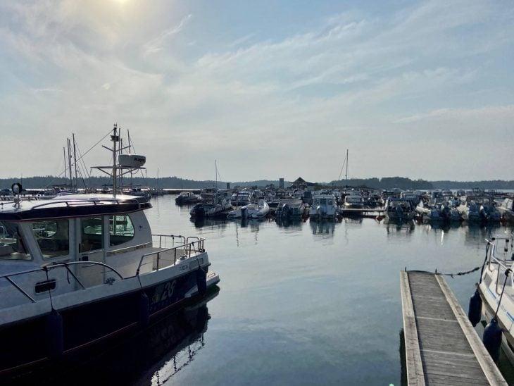 Kasnäs vierasvenesatamaa Midnight Sun Sailing purjevene Saaristomeri purjehdus venevuokraus kotimaan matkailu