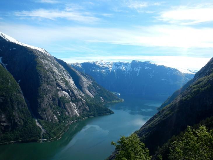 Kjeåsenilta on kaunis näkymä Eidfjordenin vuonolle