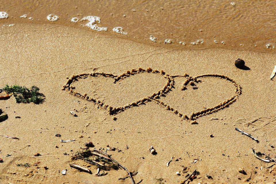 beach-949536_960_720