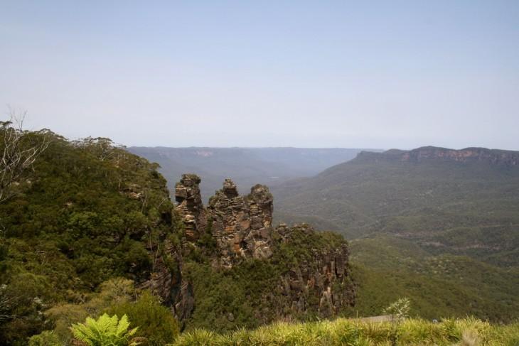 Bue Mountainsin kuuluisi nähtävyys The Three Sisters