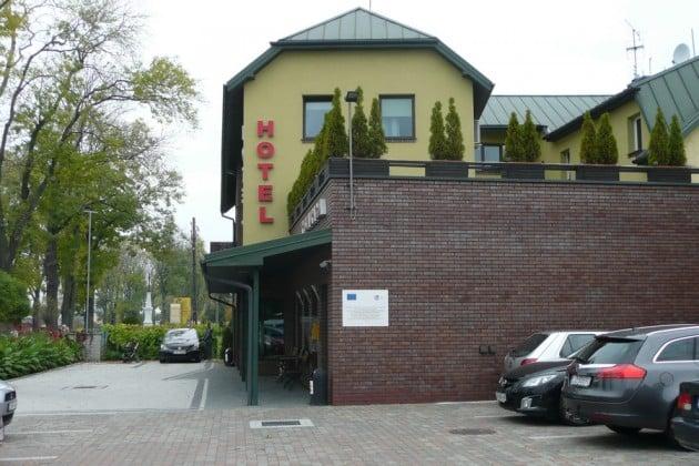 Siisti hotellimme kuvattuna sunnuntaiaamuna.