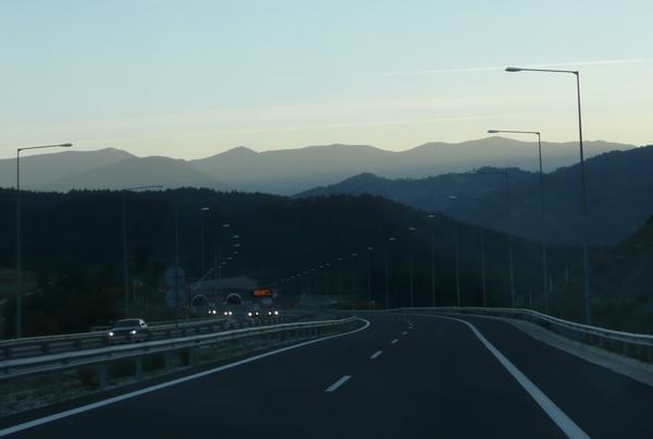 Kreikan erinomaista moottoritietä.