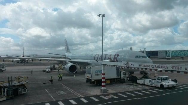 Kapkaupunki. Lentokoneet saavat vähäksi aikaa jäädä.