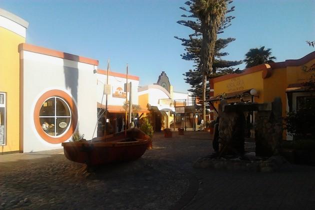 Myöhäisiltapäivän valoa. Satunnaisotos Swakopmundista.