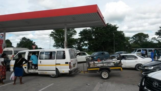 Namibiassa polttoaine on Sambiaa edullisempaa.