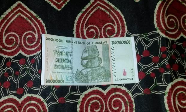 Suuria seteleitä.