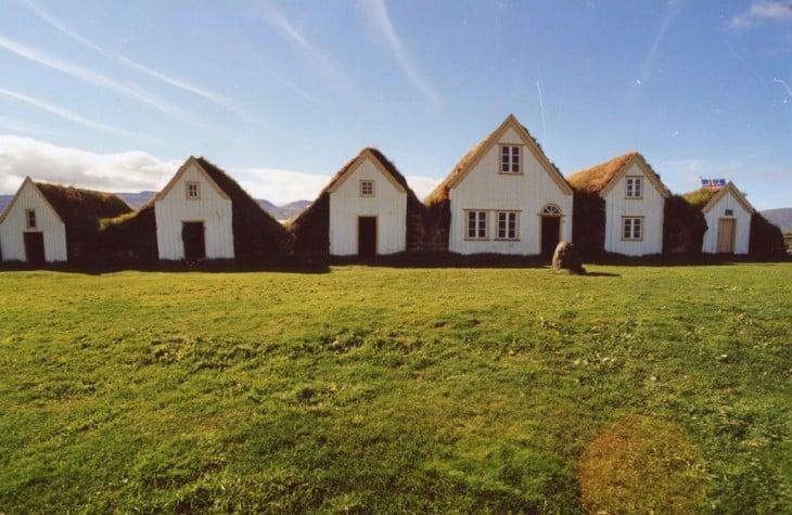 Icelandic houses © Tiberio Frascari