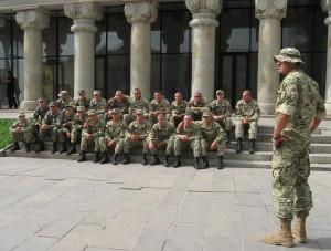 Georgian armeija kävi kirkossa rukoilemassa