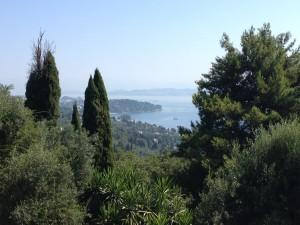 Huikaiseva näkymä Korfun kaupunkiin