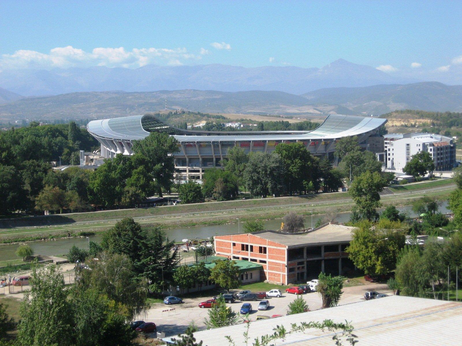 Paikallinen jalkapallostadion