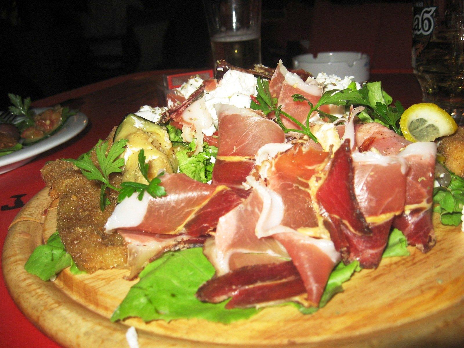 Lihainen salaatti