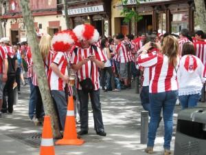 Fanipaidat olivat edustettuina katukuvassa.