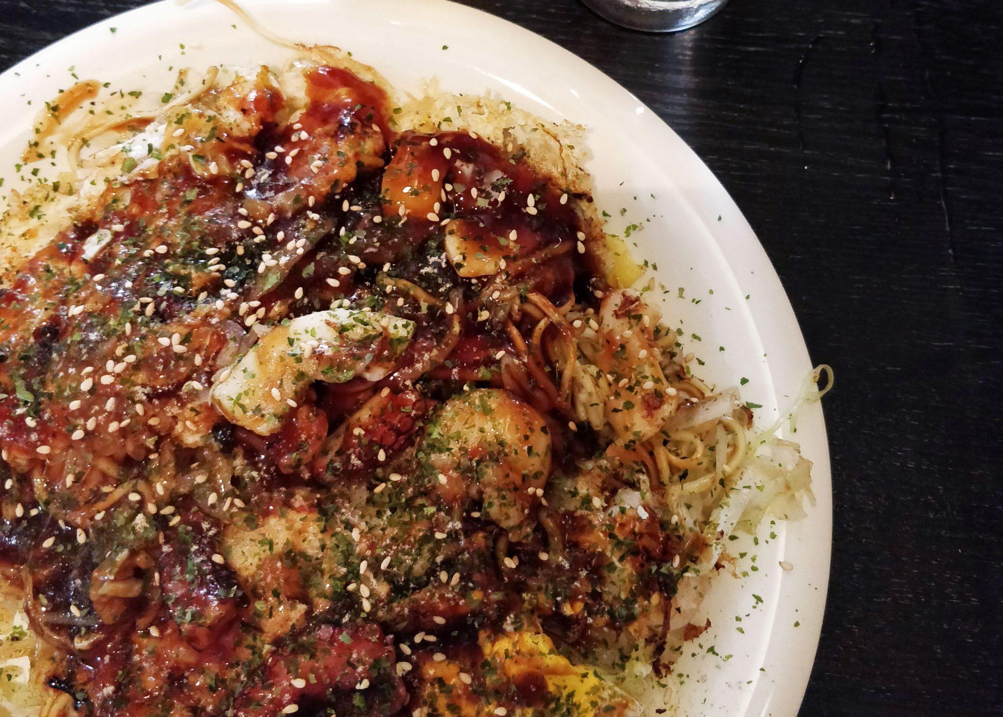 Hiroshiman okonomiyaki-munakas