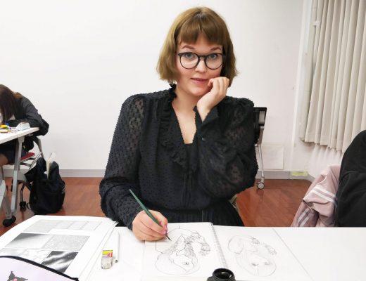 Iida vaihdossa Tokiossa: taidekoulussa piirtämässä
