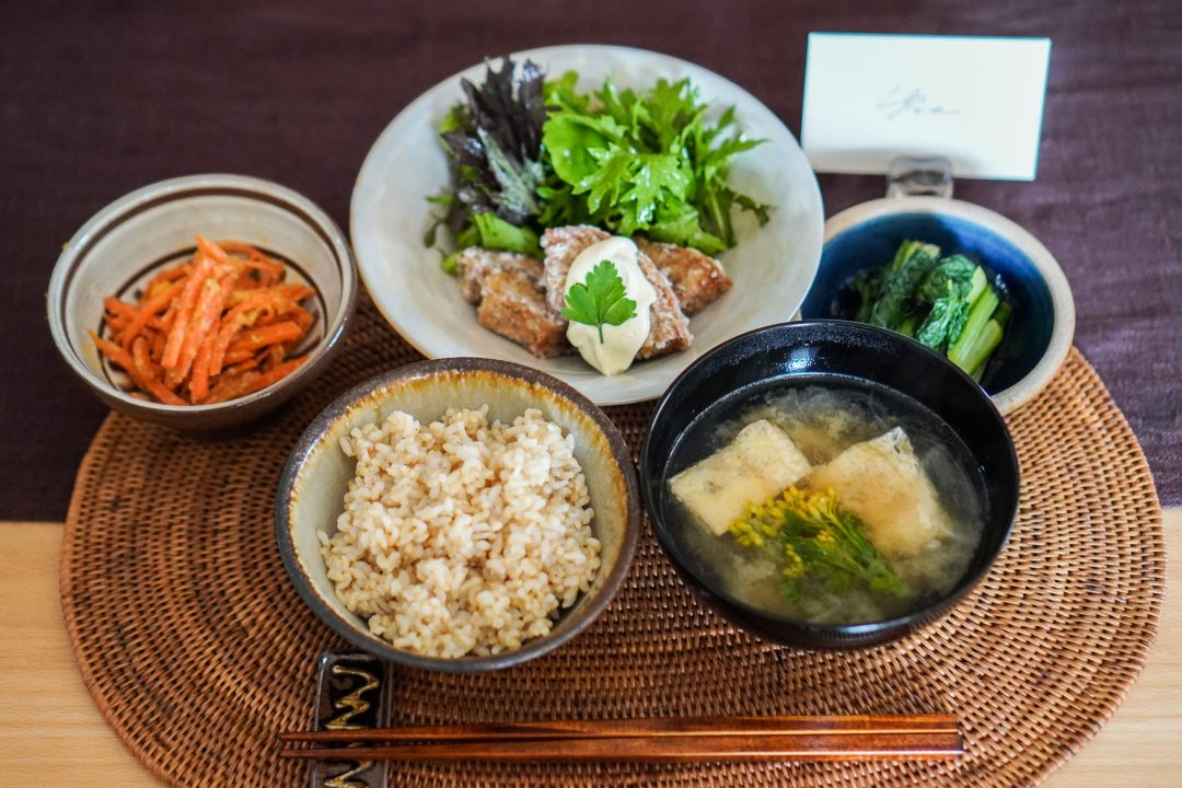 vegaanisella kokkikurssilla Tokiossa: ruoka-annos