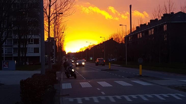 Auringonlasku Amsterdamissa