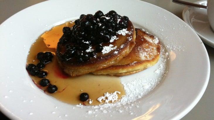 Amerikkalaiset pannukakut ravintola Tukholma Cafe Sirap