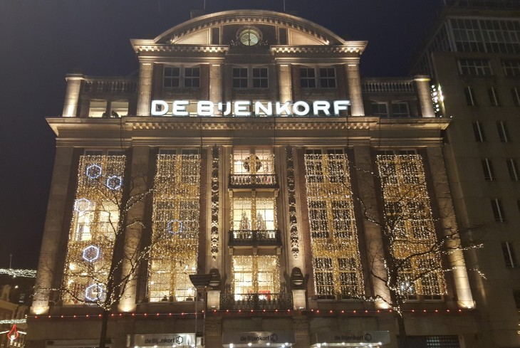 De Bijenkorf shoppailu Amsterdam shopping
