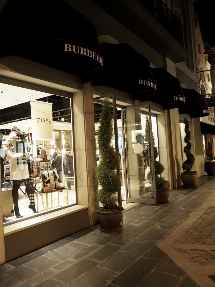 Outlet shopping las rozas village jn stockholm for Outlet muebles las rozas