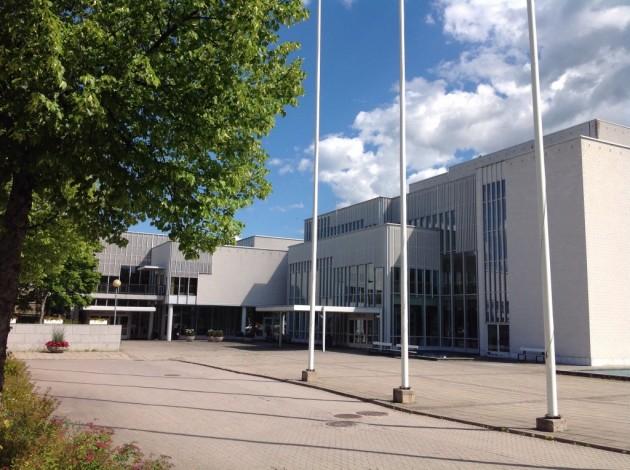 Kulttuuritalo kohosi Vuoksen varrelle vuonna 1986.
