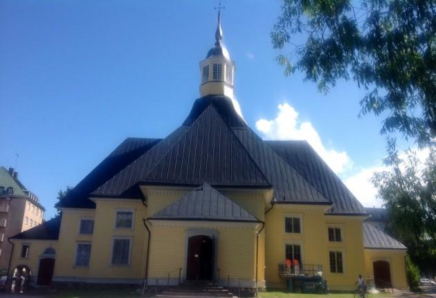 Marian kirkko keskustassa, rakennettu v. 1792-1794