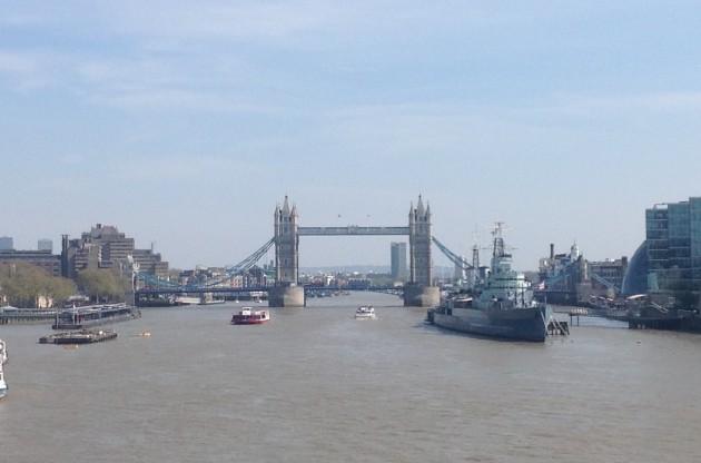 Tower Bridge on mielestäni ehkä hienoin näkemäni silta ja Lontoon hienoimpia nähtävyyksiä. Tämän parempaa kokonaiskuvaa en siitä tällä kertaa saanut.