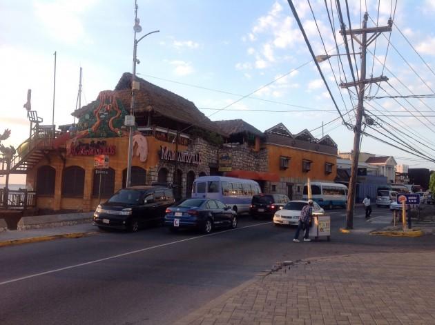 Margaritaville, hyvä drinkki- ja ruokapaikka Montego Bayssa