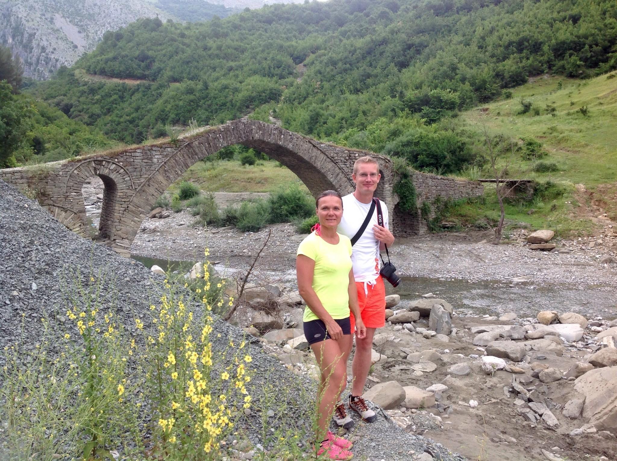 Kasabasin sillalla Albaniassa