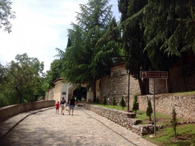 St. Naumin luostarin sisäänkäynti