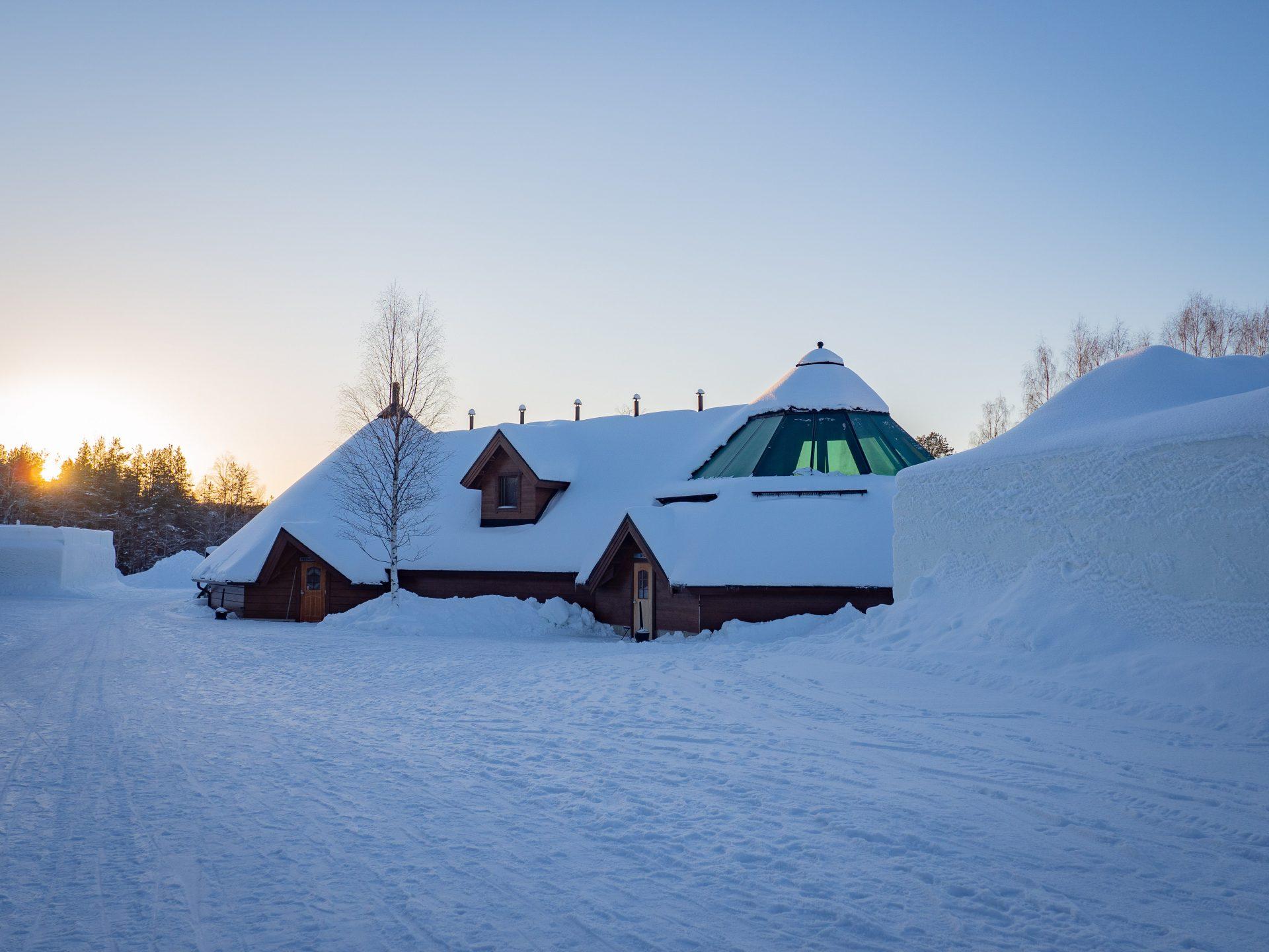 Arctic SnowHotel & Glass Igloos - Unelmien yö tähtitaivaan alla