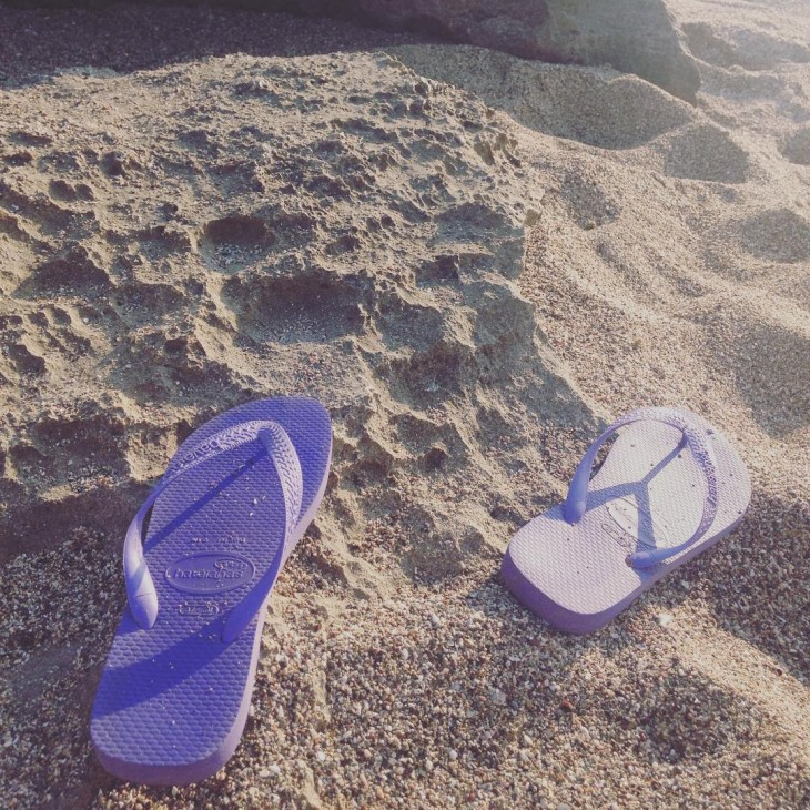 Waiting to get my flipflops on again travelfever  Luehellip