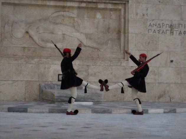 Töppöset tanassa kohti Ateenaa!