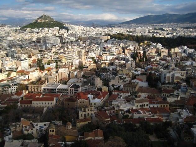 Akropoliilta oli hienot näkymät kaupunkiin. Ateena on valtava!