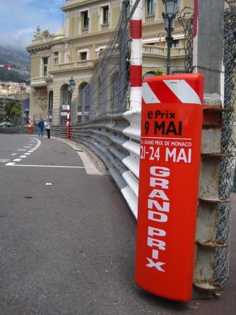 Kisat näkyi selvästi kaupunkikuvassa jo toukokuun alussa. Taustalla Monte Carlon kasino.