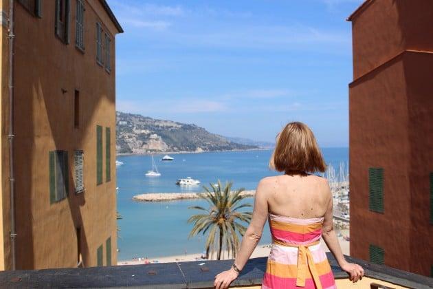 Tässä kuvassa näkyvä rannikko kuuluu jo Italian puolelle.
