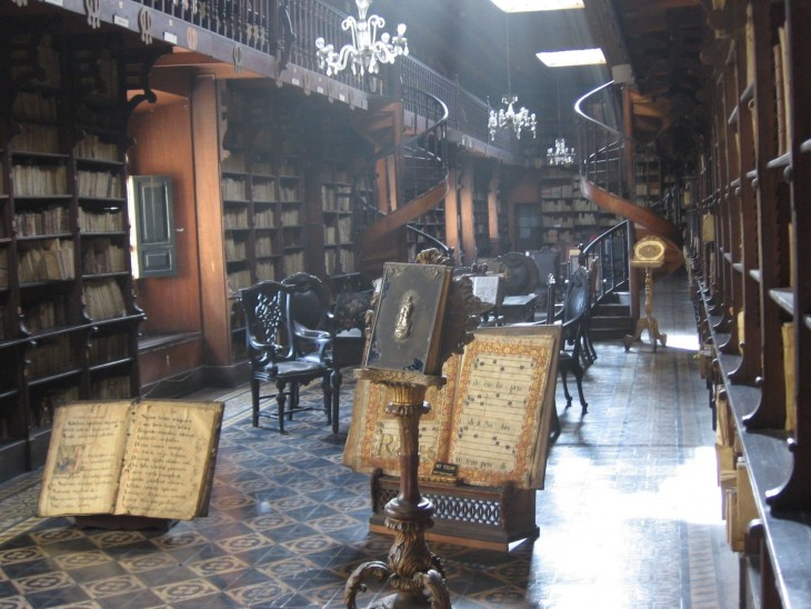 Lima-biblioteca-san-franc