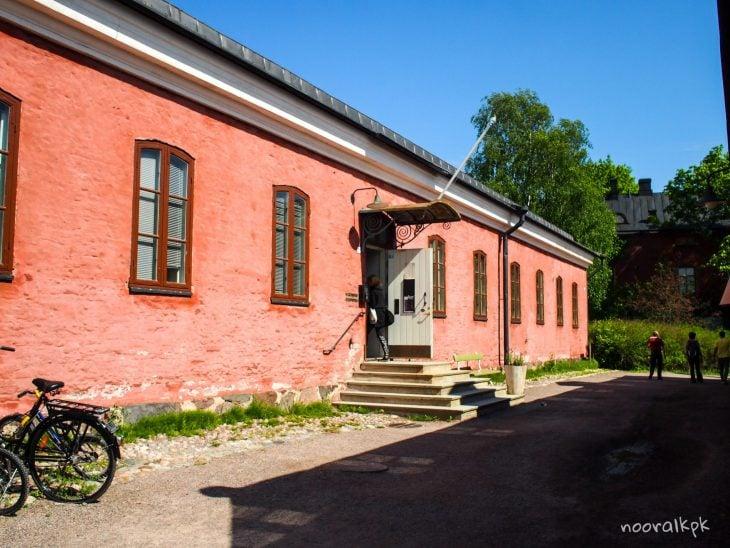paikka asia alasti lähellä Tampere