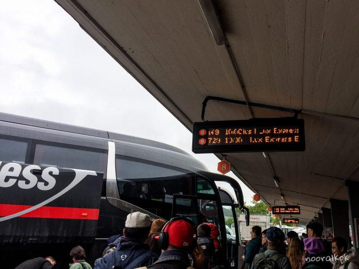 Helposti Bussilla Tallinnasta Tarttoon Kerran Poistuin Kotoa