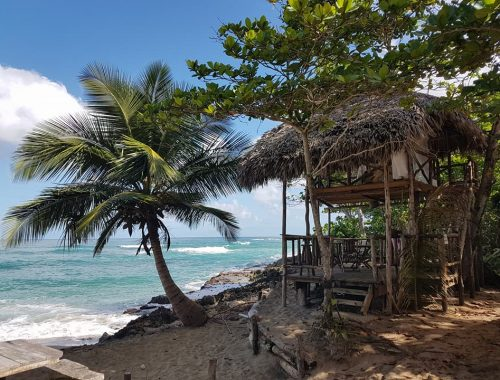 Perla Marina Beach