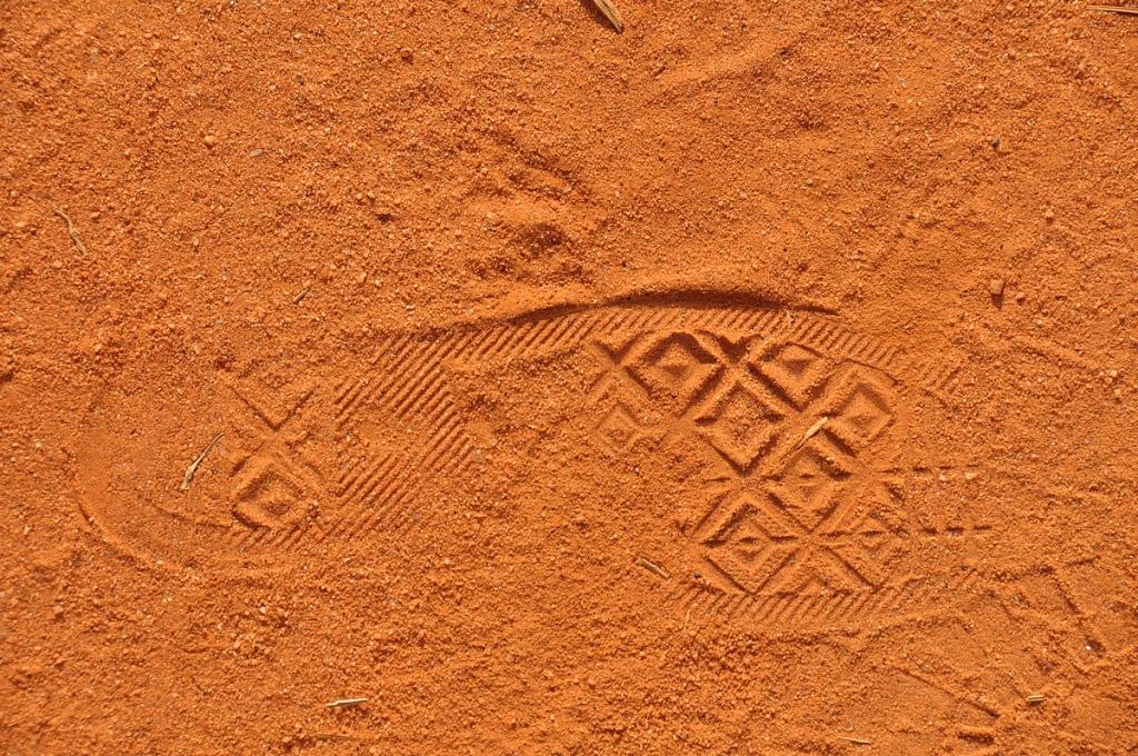 Tiedätkö mikä tossu on tässä jättänyt jäljen Afrikan maaperään?