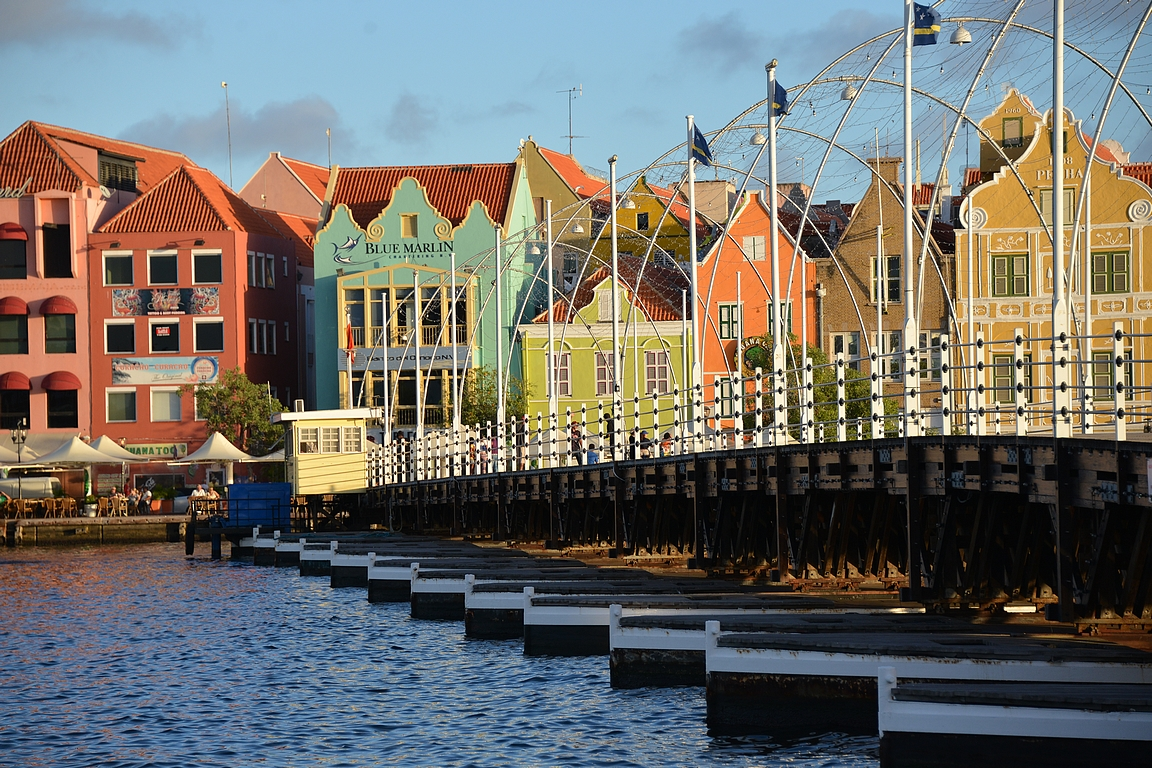 Queen Emma Bridge, Willemstad - Curacao