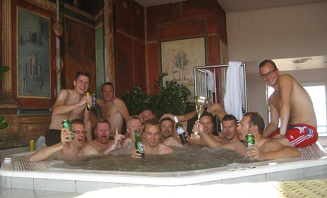 Wienissä 2011 juhlittiin niin kuin suomalainen juhlii