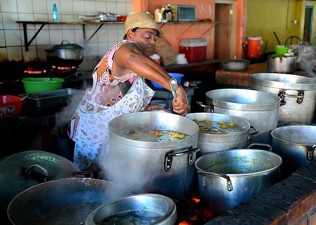 Curacaolla ruuan valmistusta pääsi seuraan lähietäisyydellä
