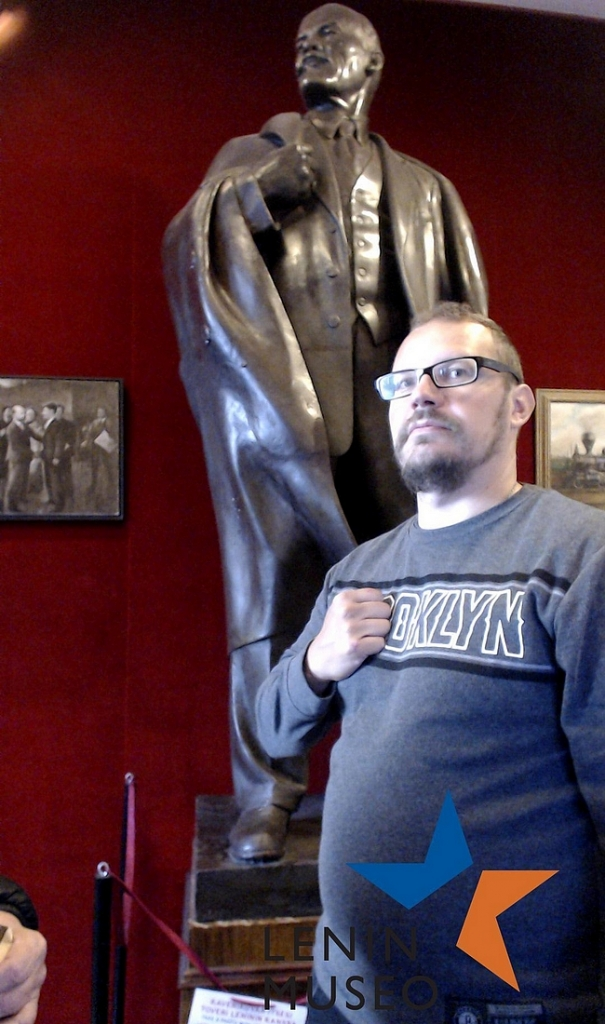 Juhlaviikon vetonaula - selfiekuvakone Leninin kanssa